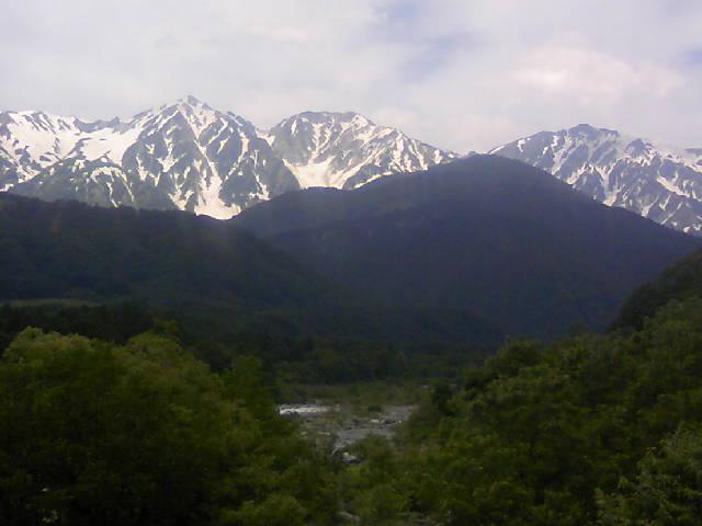 ひさしぶりに里から見る白馬三山です