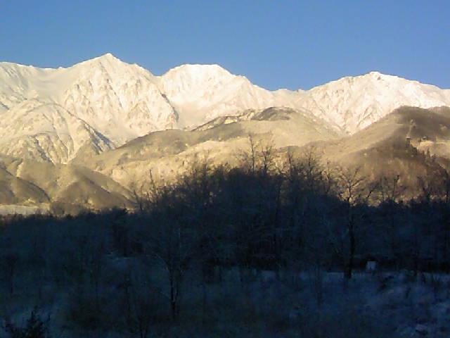今朝の白馬三山です