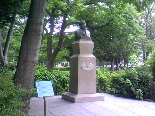 札幌にきました。クラーク像です。