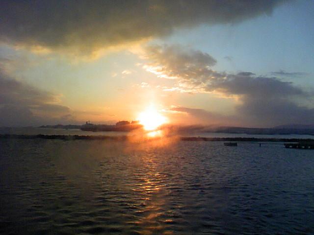 八戸港の日の出です。