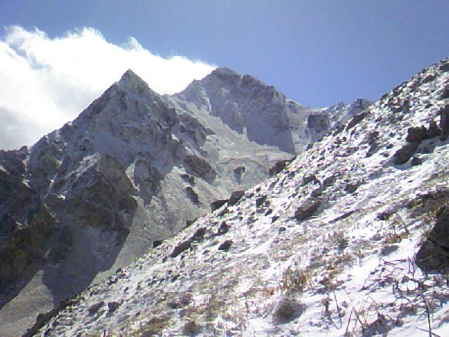 白馬岳連山の初冠雪です