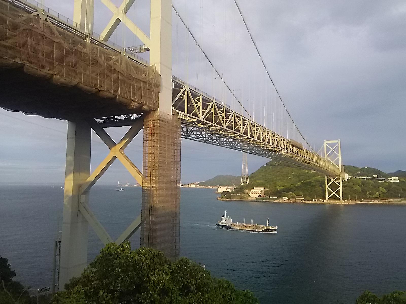 壇之浦、関門橋です。